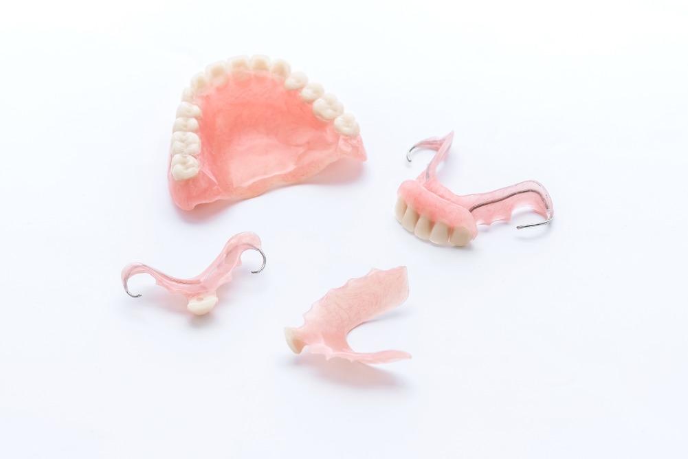 自宅でできる義歯(入れ歯)のケア方法