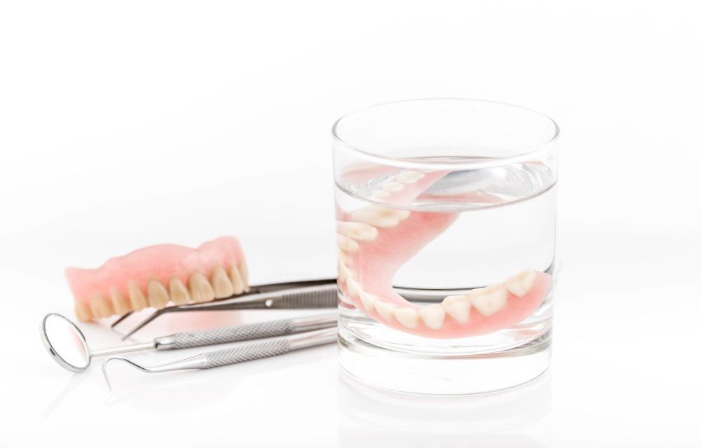 義歯(入れ歯)のケア方法
