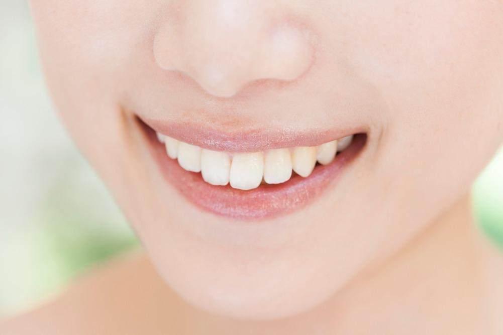 前歯のみを矯正したい!その方法と注意点を紹介