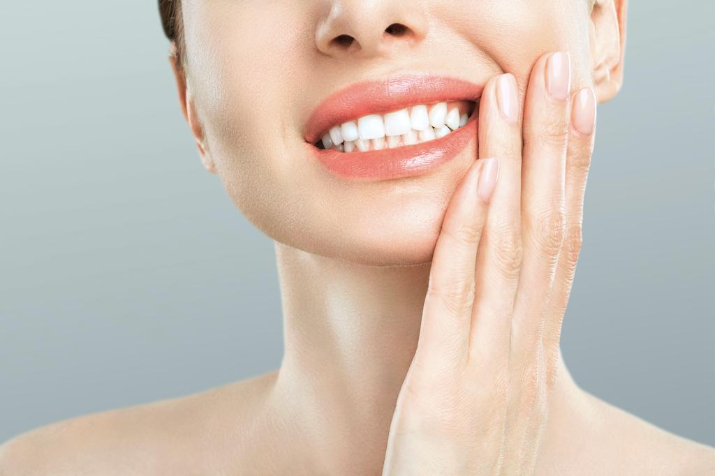インプラントでも歯周病になる?症状と対策